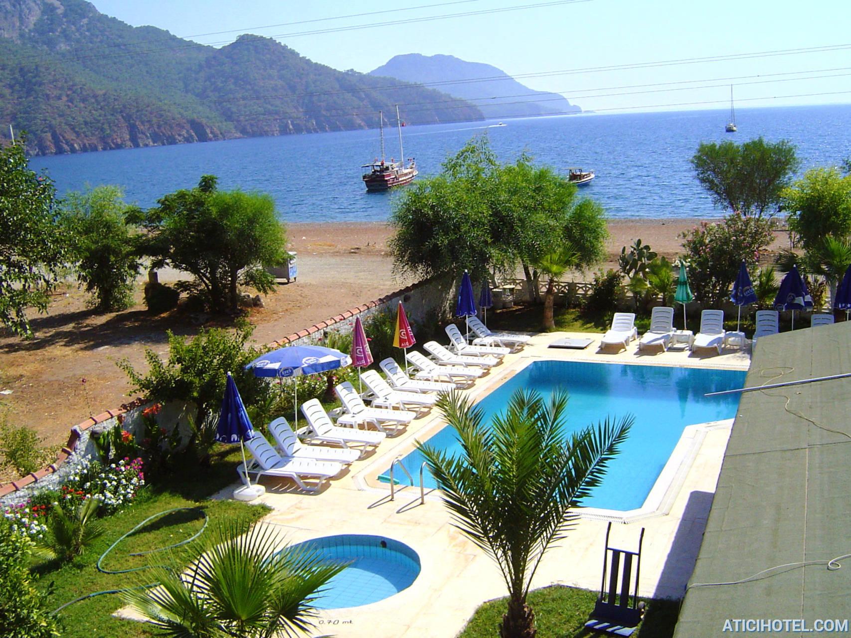 Denize sıfır havuzlu otel